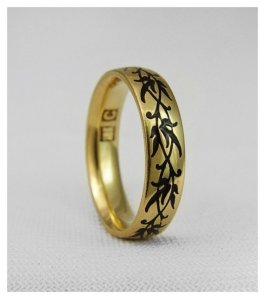 Gold and enamel ring by Oleg