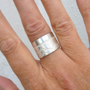 Lace Wide Silver Ring